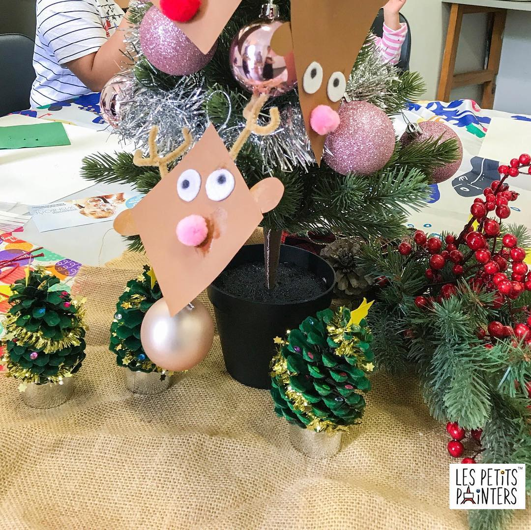 A variety of Christmas arts and crafts created by our students at one of our art sessions | LesPetitsPainters.com.au